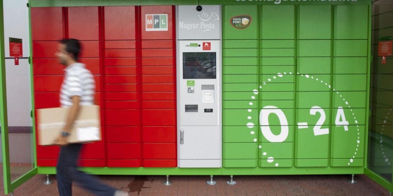 80 százalékkal drágítja a Magyar Posta az automatás csomagküldést